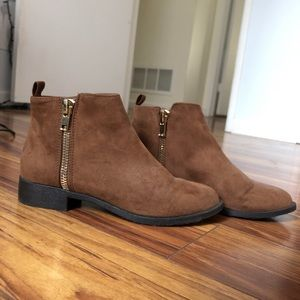 brown ankle boots from forever 21, GREAT CONDITION